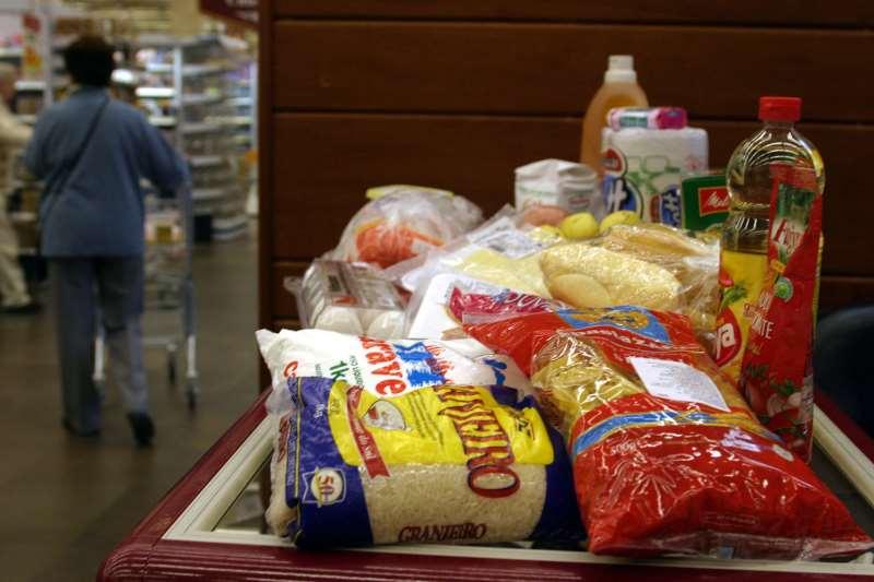 Dos treze produtos que compõem a cesta, cinco subiram de preço na Capital gaúcha
