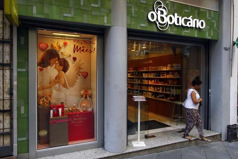 Com aquisição, Boticário passa a ser segundo maior grupo de maquiagem do País, com 15,3% do mercado