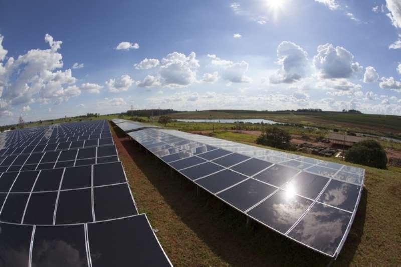 Mais de 500 usinas de energia fotovoltaicas geram 11 megawatts