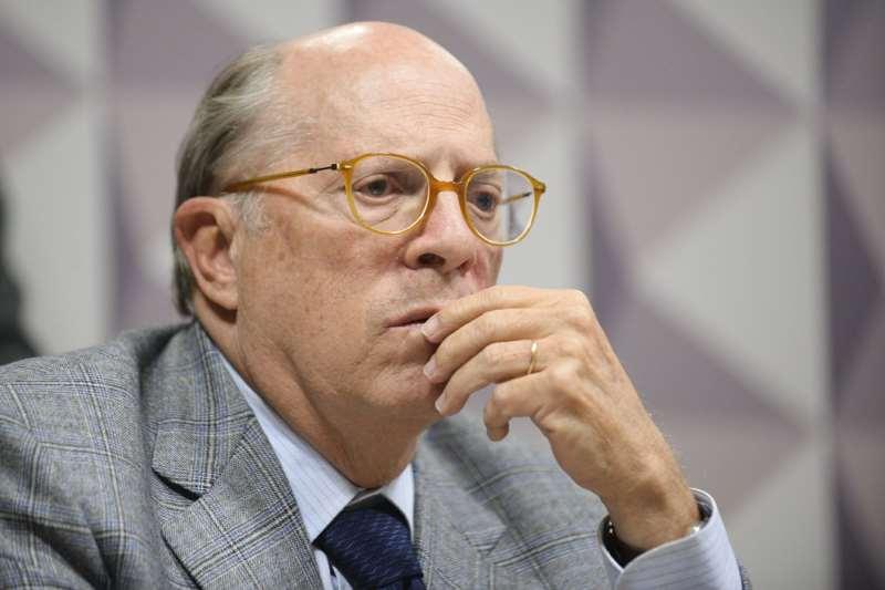 Grupo coordenado  Miguel Reale Júnior, ex-ministro da Justiça, entregará um parecer de 200 páginas sobre possíveis crimes cometidos por Bolsonaro no enfrentamento à pandemia