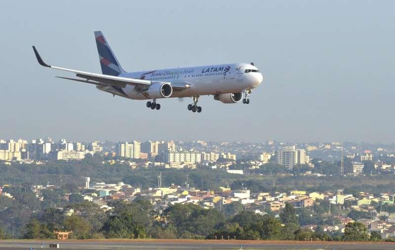 Companhias aéreas estrangeiras reduziram oferta de voos no País