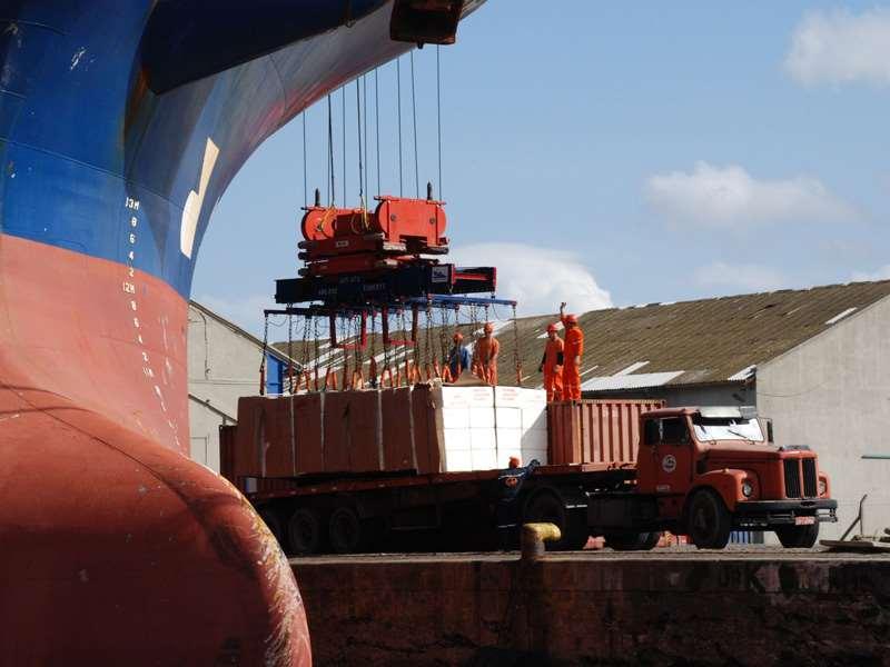 Nos seis primeiros meses do ano, o Brasil exportou US$ 36,219 bilhões a mais do que importou