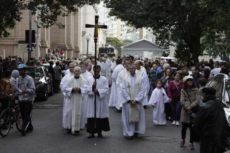 Missa e procissão de Corpus Christi na Catedral Metropolitana  na foto: Procissão de Corpus Christi, segue pela rua Duque de Caxias