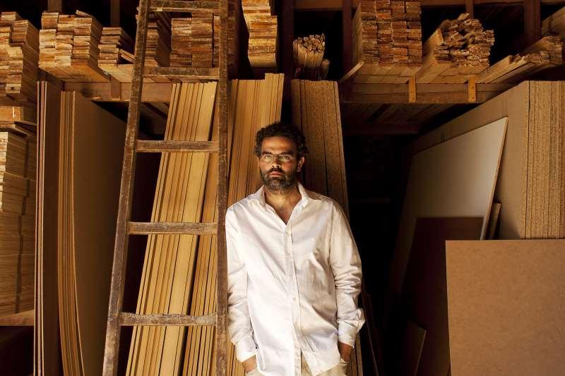 Livro do escritor luso-angolano Gonçalo M. Tavares ganha edição brasileira
