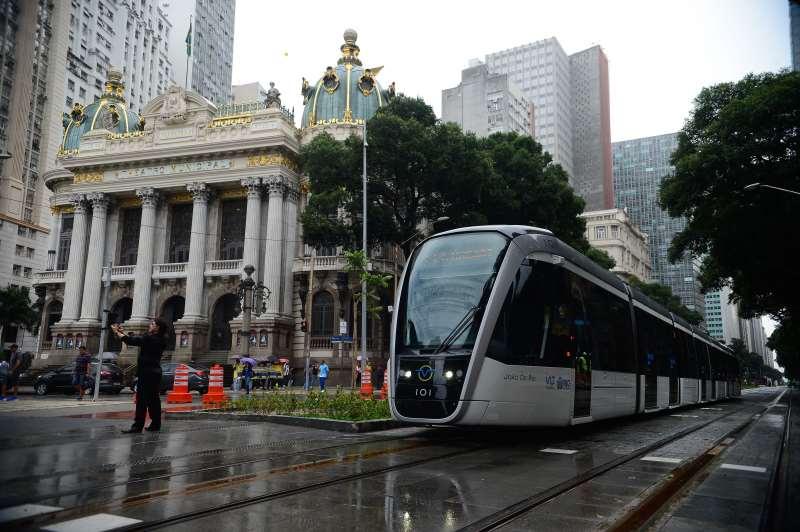 Sistema de transporte urbano funciona desde o ano passado na revitalizada área central do Rio de Janeiro