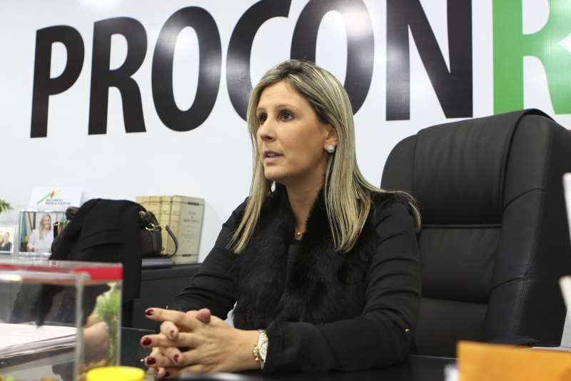 Com a Palavra, entrevista com a Diretora-Executiva do Procon RS  na foto: Flávia do Canto Pereira, Diretora do Procon RS