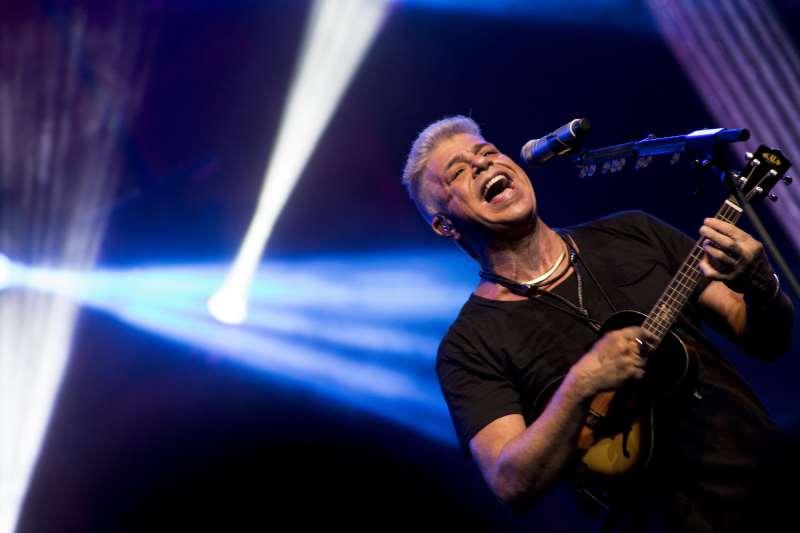 Cantor e compositor apresentará seus grandes sucessos no Pepsi On Stage
