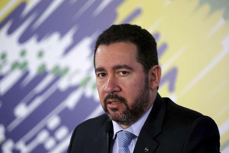 Recuperação da atividade demanda grandes esforços, disse Oliveira