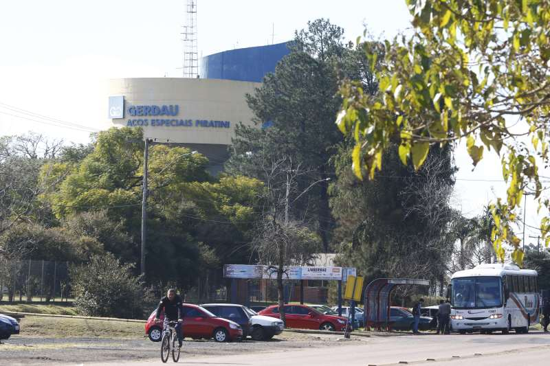Decisões atingem 800 trabalhadores em Porto Alegre e 500 em Charqueadas