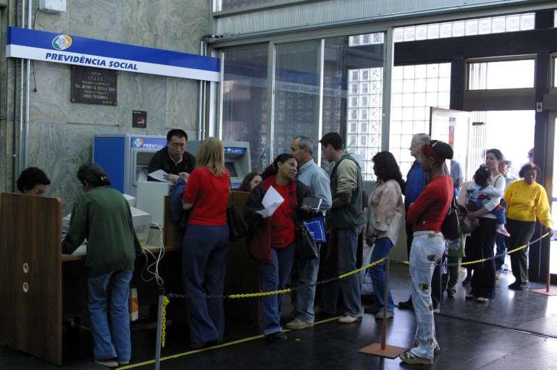 Agências do INSS em função da redução de Horário de Atendimento  Foto:Silvio Williams/01/10/2003