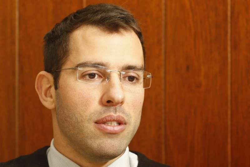 Entrevista com o subsecretário do Tesouro Estadual, Leonardo Maranhão Busatto. Matéria sobre contas públicas