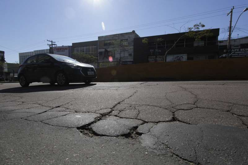 Investimentos em recuperação asfáltica na Capital.  na foto: Avenida Protásio Alves, trecho entre a Carlos Gomes e a Saturnino de Brito
