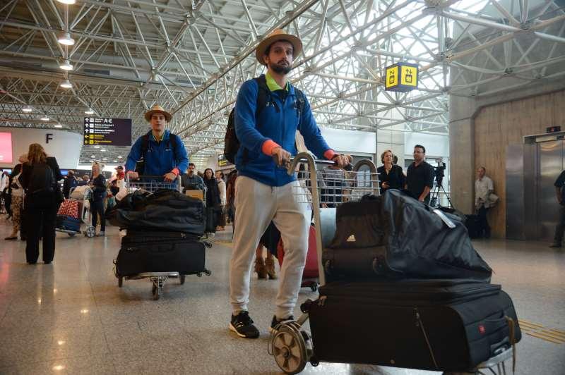 Atualmente, o passageiro tem franquia de 23 quilos em voos domésticos e de 32 quilos nos internacionais