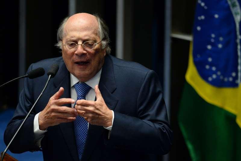 Encontro foi chamado pelo jurista Miguel Reale Júnior, um dos autores do impeachment de Dilma