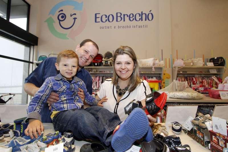 Pauta com Natasha Kuhn e seu marido Felipe Minella e a participação de Lucca (filho), do Ecobrechó Infantil, sobre negócios em condomínios.