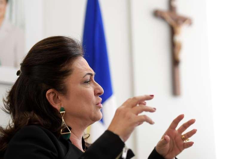 Kátia disse que foi expulsa por 'defender posições que desagradaram' ao governo