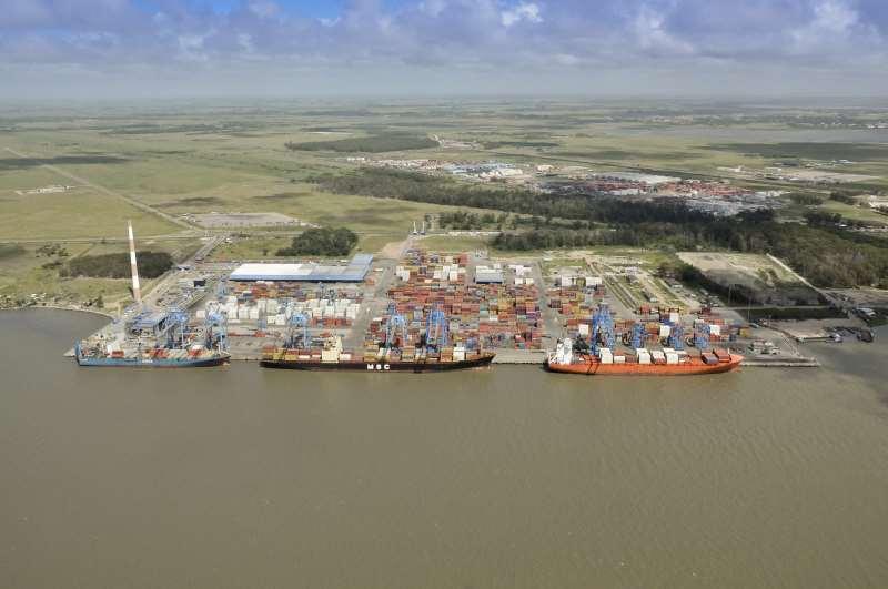 Obras para aumentar o espaço de movimentação de cargas em Rio Grande permitirá a atracação de navios de maiores dimensões no local