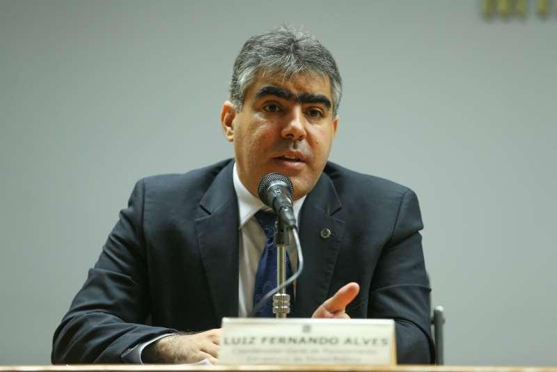 Com incertezas, Tesouro suspende leilões de títulos