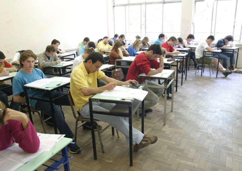 Estudante que não renovar o contrato ficará sem o financiamento para este semestre