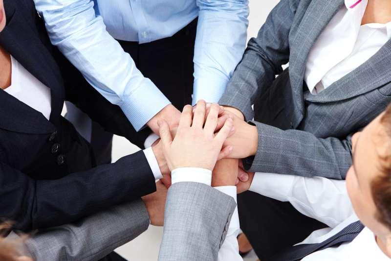 Companhias ainda estão abaixo das expectativas dos próprios funcionários em promover a igualdade de gênero