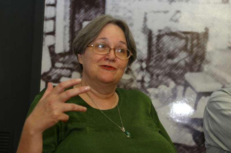 Maria da Glória Bordini no lançamento do CCCEV em 2002