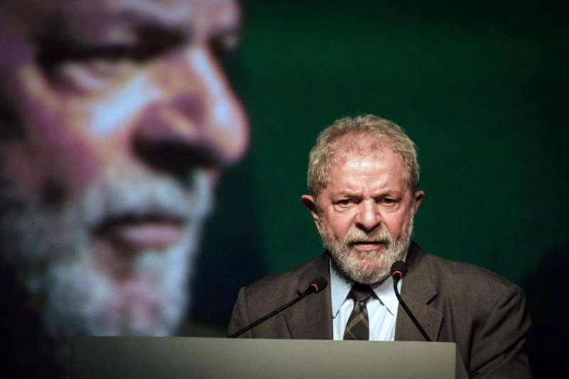 Brazil's former president (2003-2011) Luiz InÁcio Lula da Silva speaks during the second congress of the IndustriALL Global Union in Rio de Janeiro, Brazil on October 4, 2016. IndustriALL Global Union represents workers in the mining, energy and manufacturing sectors in 140 countries around the world. / AFP PHOTO / YASUYOSHI CHIBA