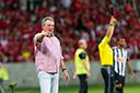Coudet pede demissão e Abel Braga deve ser o novo técnico