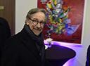 Steven Spielberg assina contrato com a Apple para relançar série dos anos 80