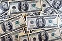 Dólar fecha no maior nível do ano com cautela local e exterior negativo