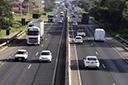 Fluxo total de veículos nas estradas cai 0,4% em fevereiro, diz ABCR