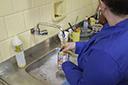 Trabalho doméstico é exercido por mulheres mais velhas, segundo Ipea