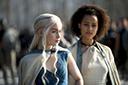 Emilia Clarke vai levar um fã de 'Game of Thrones' ao set da última temporada