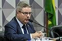 Sem Aécio, PSDB mineiro lança Anastasia como pré-candidato ao governo do Estado