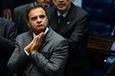 PSDB decide manter Aécio Neves afastado da presidência do partido e mantém Tasso