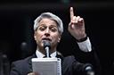 Intervenção no Rio é 'saída honrosa' para Previdência, diz Molon