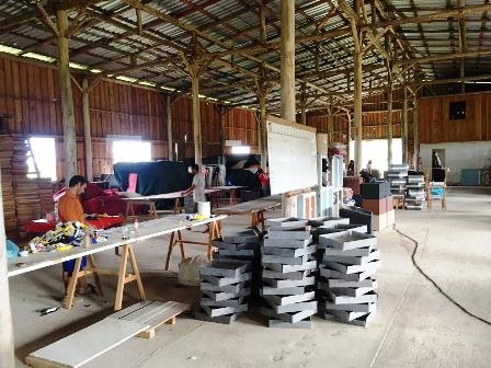 Presos vão trabalhar na costura, colagem e montagem de poltronas e assentos anatômicos, conhecidos como puffs - Foto: Divulgação/Susepe