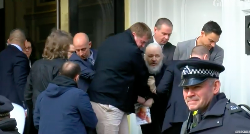 Assange foi preso naa quinta-feira pela polícia britânica na embaixada do Equador em Londres
