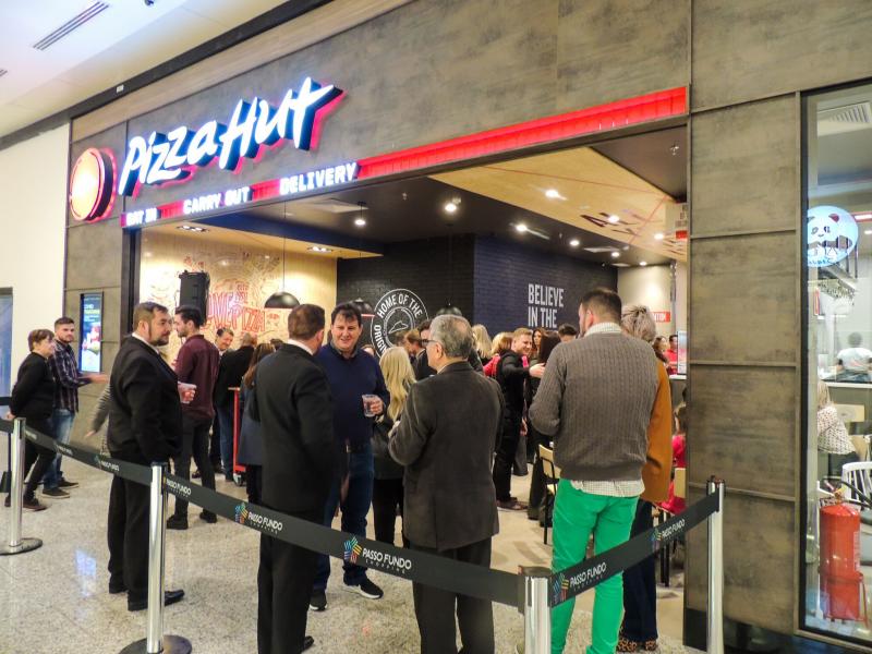 Lojas da Pizza Hut serão abertas gradualmente a partir deste ano dentro dos 25 restaurantes do Frango Assado