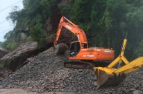 Trabalhos para desobstrução da RS-122 continuam; via não tem previsão de ser liberada